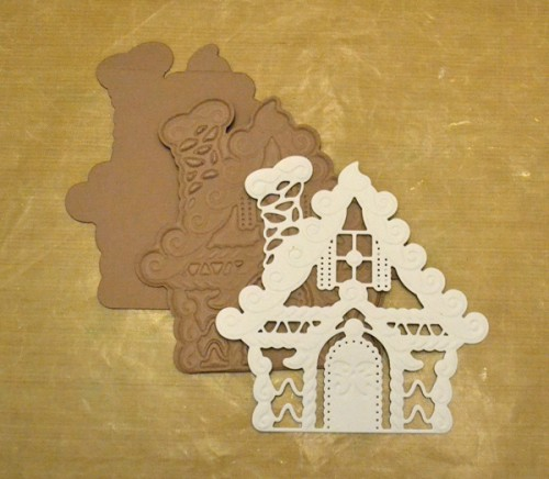 MargieHiguchi GingerbreadHouseShapedCard Step04