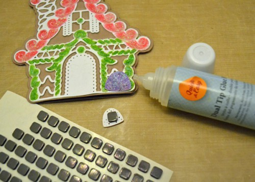 MargieHiguchi GingerbreadHouseShapedCard Step09