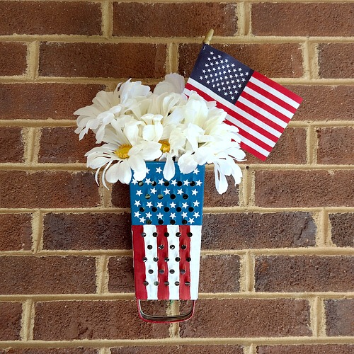Patriotic Stars and Stripes home decor tutorial by Dana Tatar for Scrapbook Adhesives by 3L