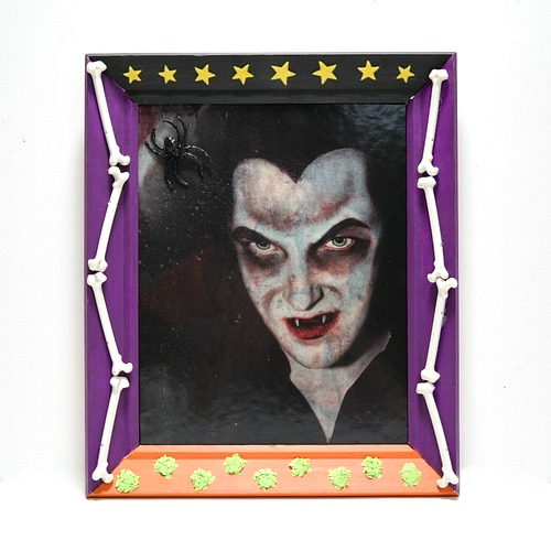 Upcycled Dracula Halloween Frame by Dana Tatar for Scrapbook Adhesives by 3L