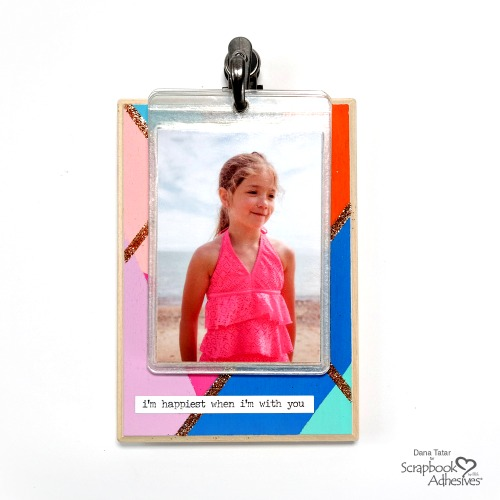 Display your photos in a unique way with a DIY WOOD PHOTO HOLDER with Self-Laminating Cards by Dana Tatar! There's a tutorial - so get the kids involved! Details on the blog! #sbadhesivesby3l #homehobby3L #extremedoublesidedtape #DIY #HomeDecor #PhotoHolder #DaTatar